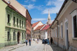 Bunte Straße in Bratislava Altstadt