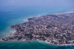 Landeanflug auf Nassau, Sicht von oben aus dem Flugzeug
