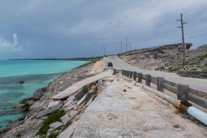 Fahrt entlang der karibischen Küste auf Straße