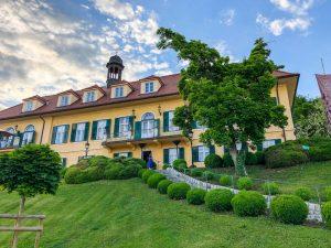Das Schloss mit Garten