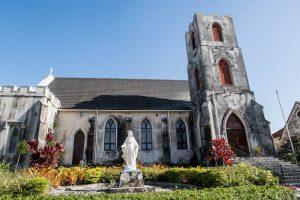 Außenansicht einer Kirche in Nassau