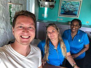 Selfie mit drei Leuten auf Long Island Bahamas