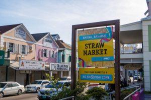Eingangsschild vom Straw Market in Nassau Bahamas