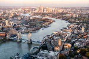 Blick vom The Shard auf die Stadt bei Sonnenuntergang als Teil meiner London Pass Erfahrungen