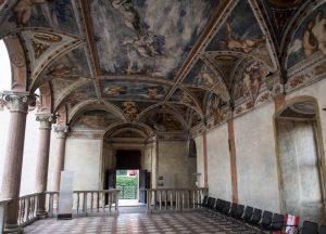 Raum im Schloss von Trento mit Deckenmalerei