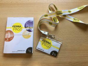 Foto von Vienna Pass und Guidebook für Wien