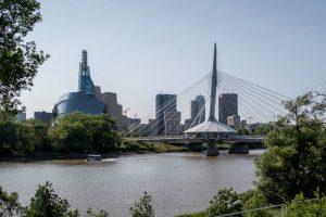 Blick auf Fluss und Winnipeg Stadt