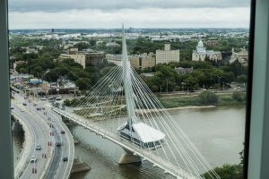 Blick auf den Red River und die Provenche Brücke