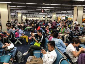Wartebereich am Flughafen für den Flug von Bangkok nach Chiang Mai