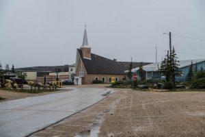 Kirche und Straße von Churchill