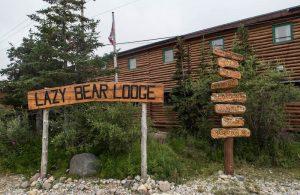 Lazy Bear Lodge von außen