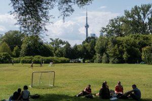 Park mit Menschen