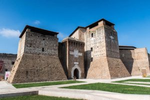Castel Sismondo von außen