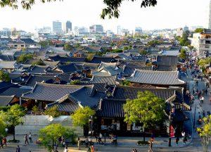 Südkorea Sehenswürdigkeiten in Jeonju mit traditionellen Häusern