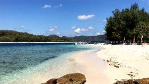 Strand bei den Secret Gilis