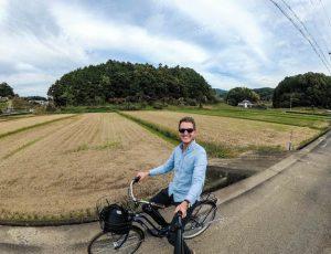 Selfie auf Fahrrad in Reisfeldern