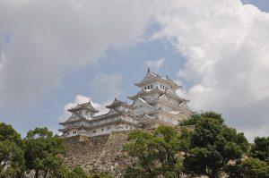 Blick auf die japanische Sehenswürdigkeit Himeji