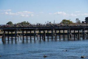 Togetsu Brücke über den Fluss in Arashiyama