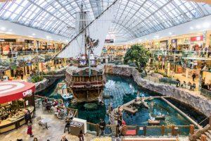 West Edmonton Mall mit Schiff als Sehenswürdigkeit in Edmonton