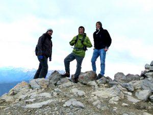 Mit zwei Freunden beim Wandern auf meiner ersten Backpacking Kanada Reise
