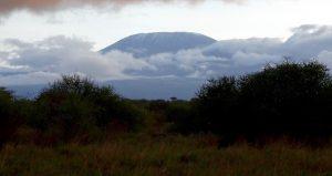 Blick auf Kilimanjaro Berg in Wolken