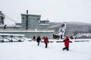 Goldfelder als Dawson City Sehenswürdigkeiten im Schnee