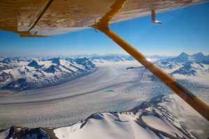 Blick aus Flugzeug auf den Kluane Nationalpark