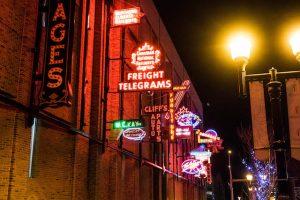 Neon Zeichen als Teil der Edmonton Sehenswürdigkeiten