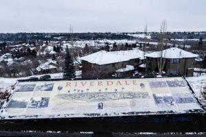 Aussicht von Riverdale auf verschneites Edmonton