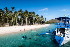 Strand und Insel bei Linapacan