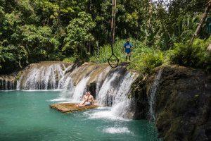Die berühmten Cambugahay Falls als eine der Siquijor Sehenswürdigkeiten