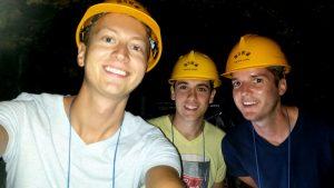 Drei Personen im Selfie