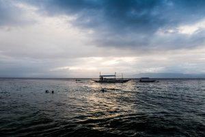 Dämmerung mit Blick auf das Meer