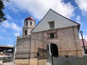 Kirche von außen auf Siquijor