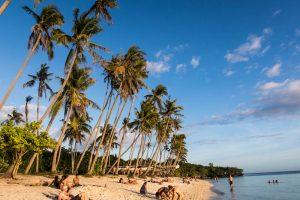 Der Paliton Strand als eine der Siquijor Sehenswürdigkeiten