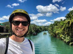 Selfie vor Fluss auf Bohol Philippinen