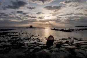 Blick auf das Meer beim Sonnenaufgang