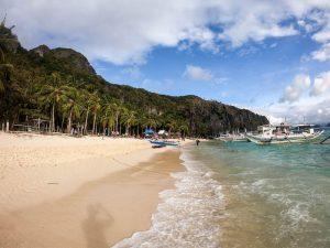 Strand beim El Nido Inselhopping in den Philippinen