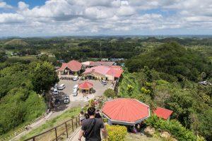 Blick von oben auf das Touristentzentrum