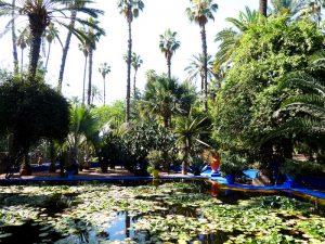 See und Bäume in Marrakesch Marokko