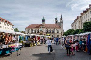 Markt auf dem Platz in Magdeburg