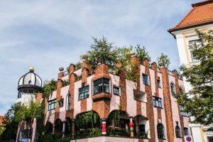 Außenansicht Grüne Zitadelle als eine der Magdeburg Sehenswürdigkeiten